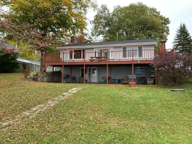 1085 Wall Lake Drive, Delton, MI 49046 (MLS #20043559) :: Keller Williams RiverTown