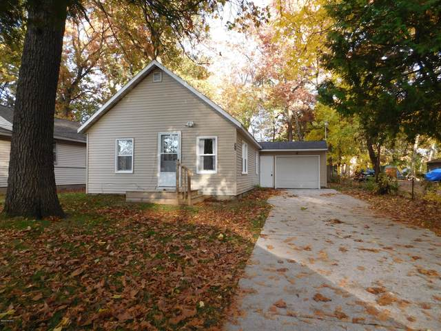 32 S Kensington Street, Muskegon, MI 49442 (MLS #20043613) :: Keller Williams RiverTown