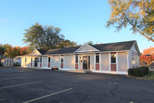 865 Oak Ridge Road, Muskegon, MI 49441 (MLS #20043651) :: CENTURY 21 C. Howard