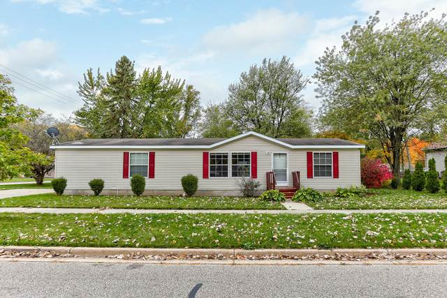 97 Aylworth Avenue, South Haven, MI 49090 (MLS #20043696) :: Keller Williams RiverTown