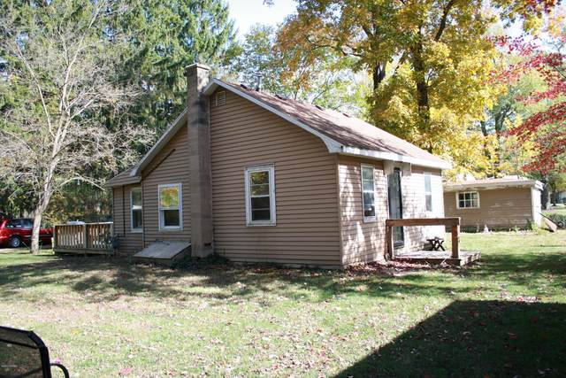 11999 Red Arrow Highway, Sawyer, MI 49125 (MLS #20043960) :: Keller Williams RiverTown