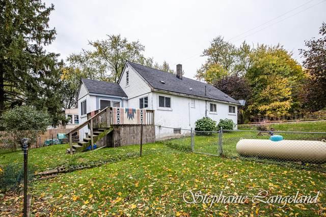 19710 Maple Avenue, Conklin, MI 49403 (MLS #20044447) :: Jennifer Lane-Alwan