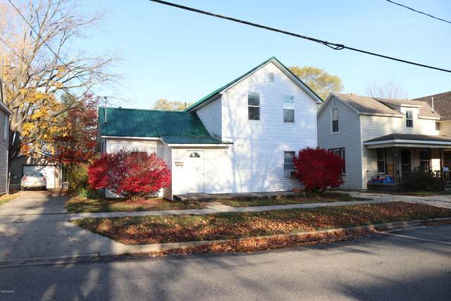 732 N 4th Avenue, Big Rapids, MI 49307 (MLS #20044606) :: Keller Williams RiverTown