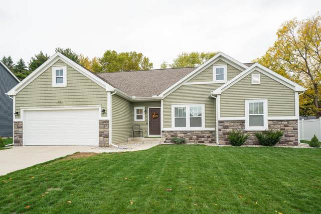 2626 Avalon Woods Drive, Portage, MI 49024 (MLS #20044614) :: JH Realty Partners