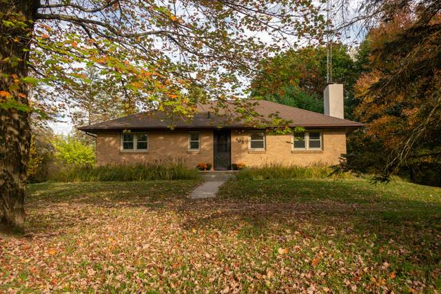 405 S Park Road, Benton Harbor, MI 49022 (MLS #20044630) :: Keller Williams RiverTown