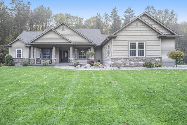 8626 Pine Acres Drive, Kalamazoo, MI 49009 (MLS #20044844) :: Keller Williams Realty | Kalamazoo Market Center
