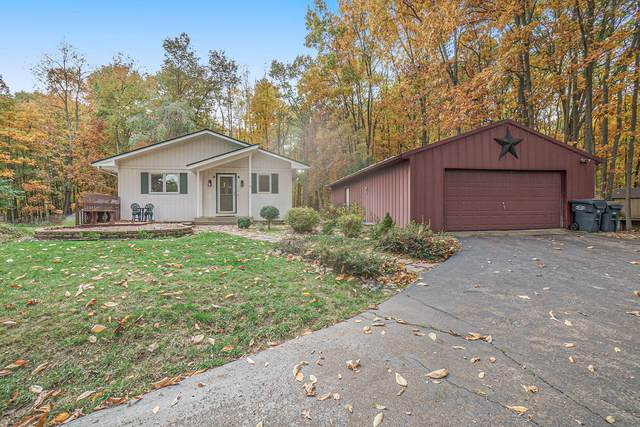 10810 Cora Drive, Portage, MI 49002 (MLS #20044845) :: Keller Williams Realty | Kalamazoo Market Center