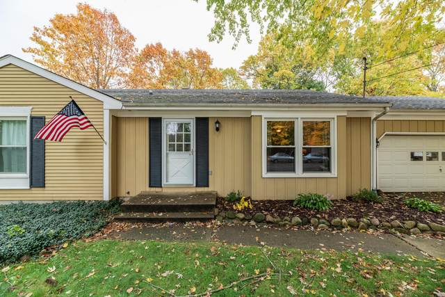 830 Glenview Drive, Plainwell, MI 49080 (MLS #20044879) :: Jennifer Lane-Alwan