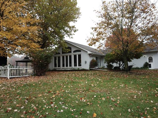 6990 Kennedy Rd Road, Munith, MI 49259 (MLS #20044922) :: Jennifer Lane-Alwan