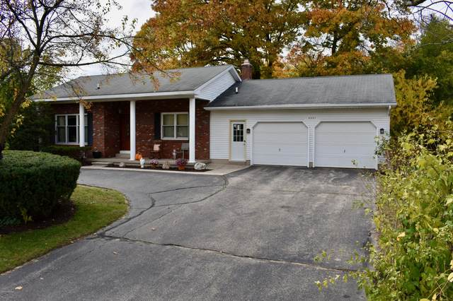 8657 Shadowbrook Drive, Jenison, MI 49428 (MLS #20044974) :: Keller Williams RiverTown