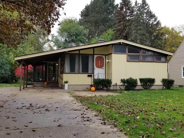 907 W Orange Street, Greenville, MI 48838 (MLS #20045021) :: Jennifer Lane-Alwan