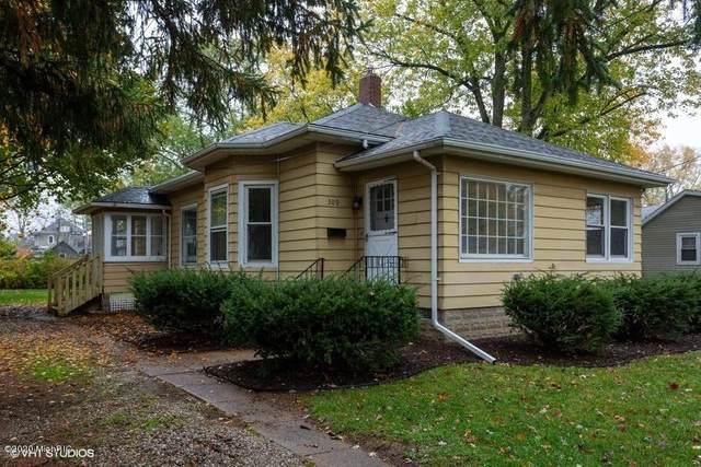 309 Oak Street, Three Oaks, MI 49128 (MLS #20045275) :: Jennifer Lane-Alwan