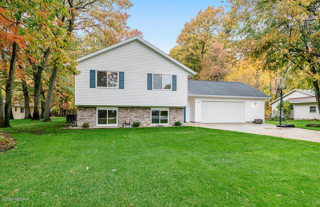 15233 161st Avenue, Grand Haven, MI 49417 (MLS #20045315) :: Keller Williams RiverTown