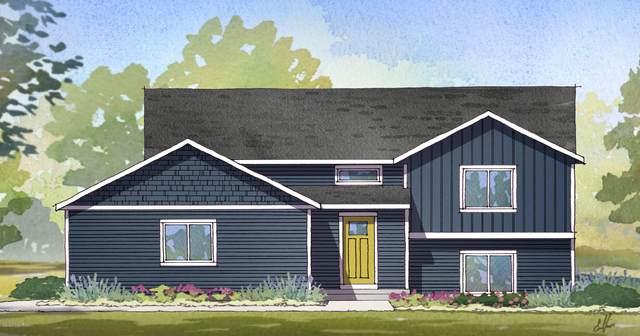 937 Flat River Drive SE, Lowell, MI 49331 (MLS #20045639) :: Keller Williams RiverTown