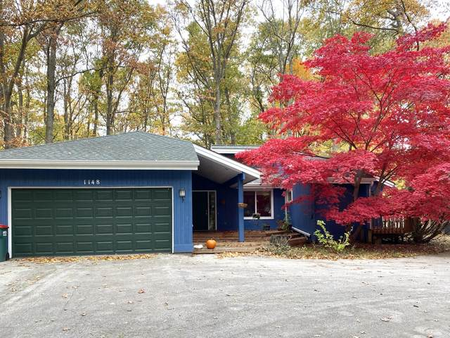 1148 Forest Park Road, Norton Shores, MI 49441 (MLS #20045757) :: Keller Williams RiverTown