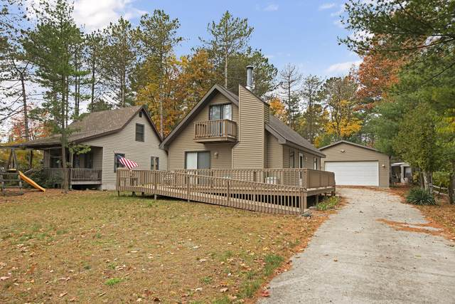 1733 N Lakeview Drive, Mears, MI 49436 (MLS #20045819) :: Deb Stevenson Group - Greenridge Realty