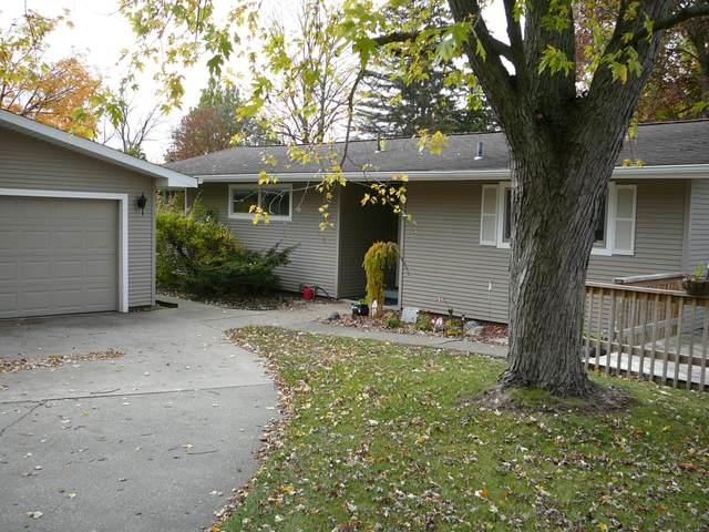 100 Riverdale Street, Hillsdale, MI 49242 (MLS #20045950) :: Deb Stevenson Group - Greenridge Realty
