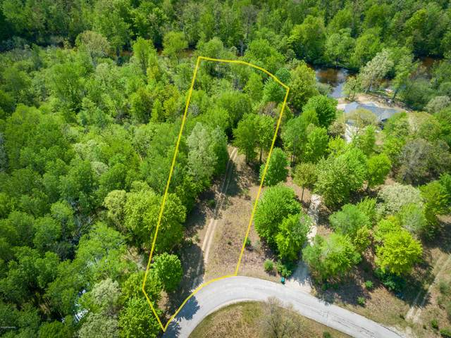 6143 Cedar Trace, Stanwood, MI 49346 (MLS #20046018) :: Deb Stevenson Group - Greenridge Realty
