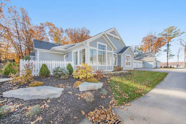 246 Janes View Drive #14, Holland, MI 49424 (MLS #20046784) :: Deb Stevenson Group - Greenridge Realty