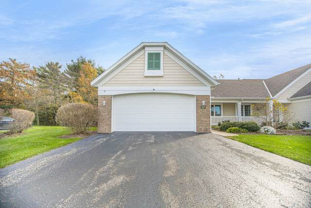 367 Timber Lake East, Holland, MI 49424 (MLS #20046838) :: Deb Stevenson Group - Greenridge Realty