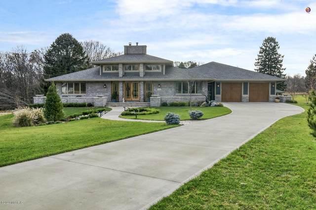 715 Golf View Drive, Douglas, MI 49406 (MLS #20047618) :: Deb Stevenson Group - Greenridge Realty