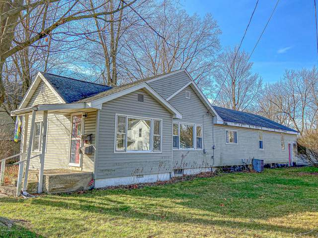 107 Florence Avenue, Dowagiac, MI 49047 (MLS #20048180) :: Deb Stevenson Group - Greenridge Realty