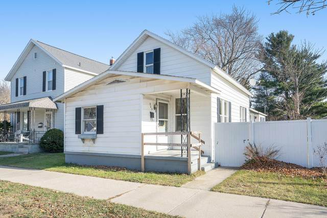 303 S Washington Avenue, Ludington, MI 49431 (MLS #20048399) :: JH Realty Partners
