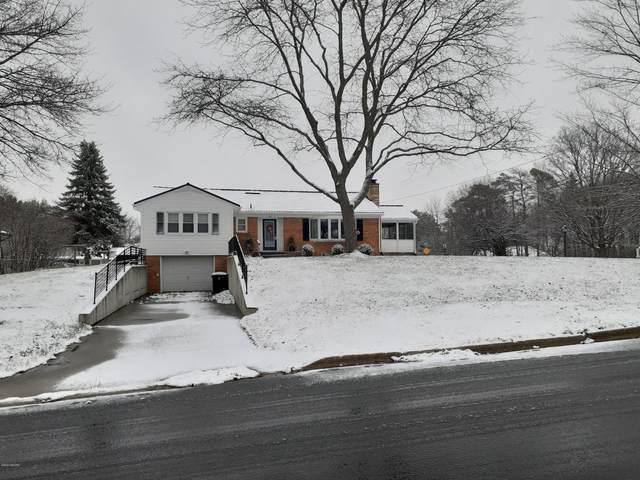 727 Winter Avenue, Big Rapids, MI 49307 (MLS #20048644) :: Ron Ekema Team