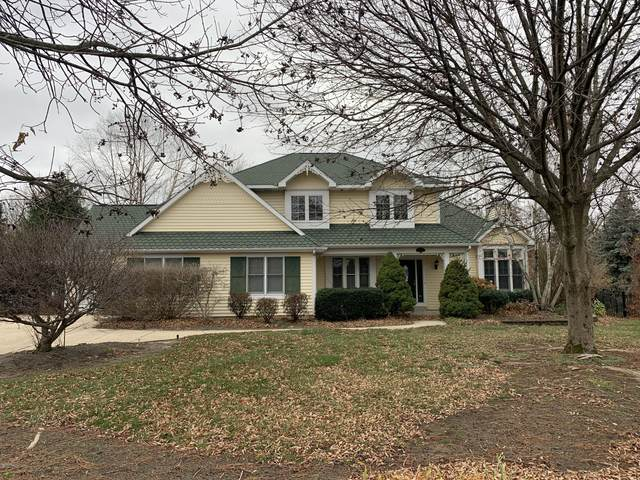 146 Bay Circle Drive, Holland, MI 49424 (MLS #20048654) :: Deb Stevenson Group - Greenridge Realty