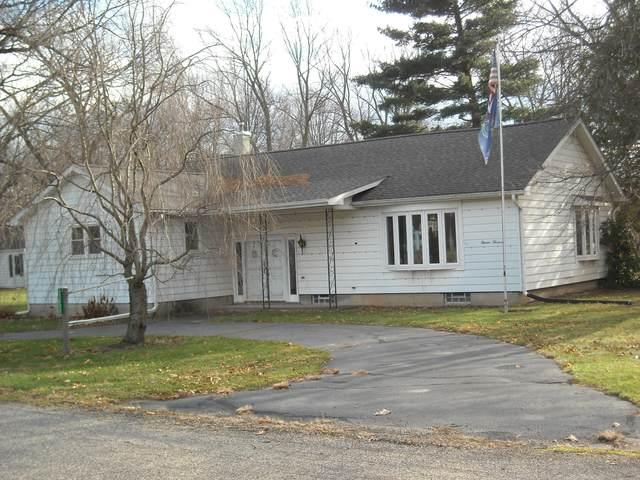 13000 W Michigan Avenue, Ceresco, MI 49033 (MLS #20048655) :: Deb Stevenson Group - Greenridge Realty