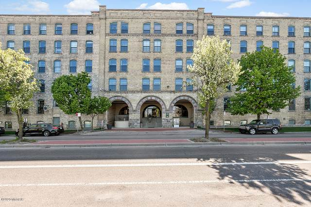 940 Monroe Avenue NW #116, Grand Rapids, MI 49503 (MLS #20048814) :: Keller Williams RiverTown