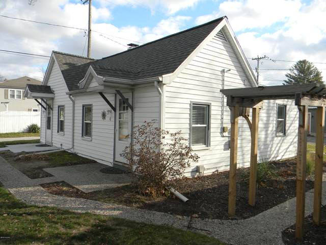 422 N Ferry Street Cottage 4&5, Ludington, MI 49431 (MLS #20048925) :: JH Realty Partners
