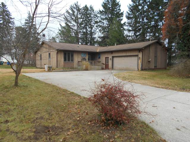 3944 Bennett Street, Norton Shores, MI 49441 (MLS #20049004) :: Jennifer Lane-Alwan