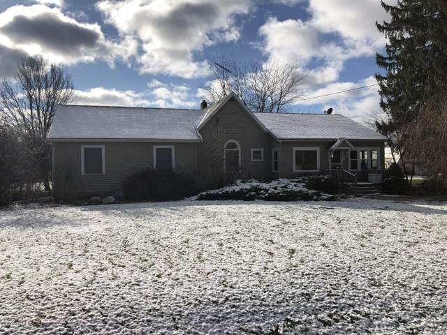 4719 Lake Montcalm Road, Six Lakes, MI 48886 (MLS #20049085) :: JH Realty Partners