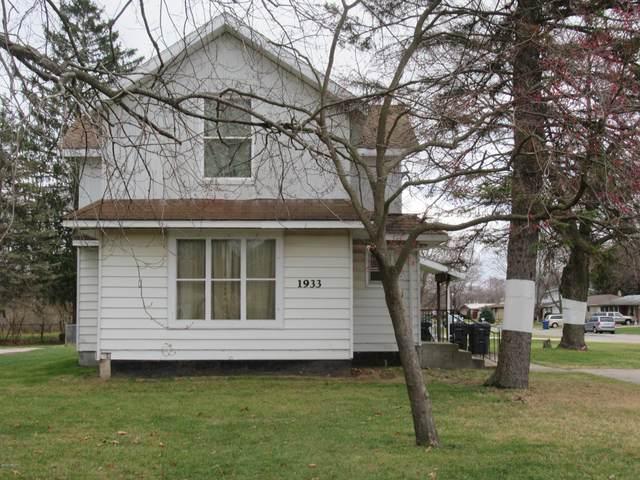 1933 Colfax Avenue, Benton Harbor, MI 49022 (MLS #20049302) :: Ron Ekema Team