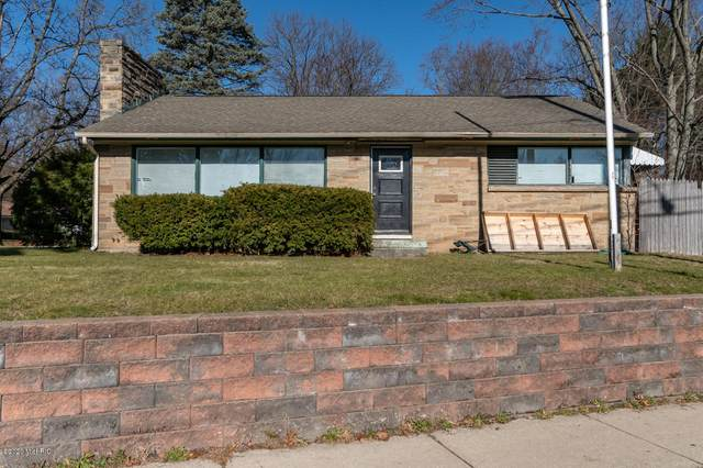 3018 W Michigan Avenue, Kalamazoo, MI 49006 (MLS #20049426) :: CENTURY 21 C. Howard