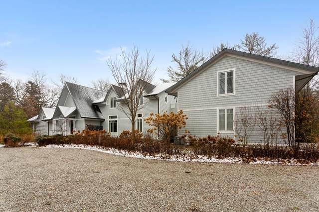 8926 W Warren Woods Road, Lakeside, MI 49116 (MLS #20049513) :: Keller Williams Realty   Kalamazoo Market Center