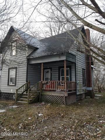124 Middle Street, Three Rivers, MI 49093 (MLS #20050793) :: Deb Stevenson Group - Greenridge Realty