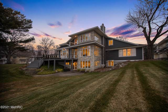 753 South Shore Drive, Holland, MI 49423 (MLS #21000271) :: Ginger Baxter Group