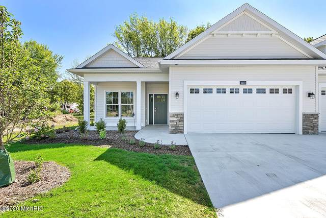 1003 Maplewood Court #44, Holland, MI 49423 (MLS #21000345) :: Deb Stevenson Group - Greenridge Realty