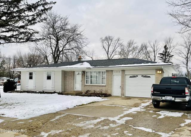 1000 Avenue A, Springfield, MI 49037 (MLS #21000419) :: Ginger Baxter Group
