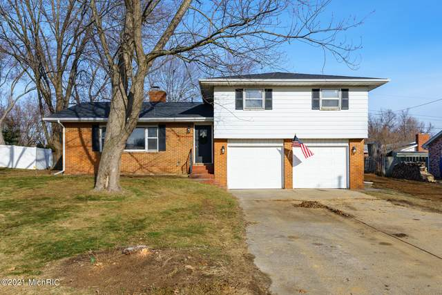 1855 N Cambridge Place, St. Joseph, MI 49085 (MLS #21001153) :: JH Realty Partners