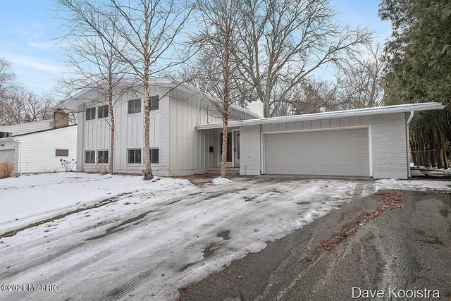 2110 Heather Street SE, East Grand Rapids, MI 49506 (MLS #21001285) :: JH Realty Partners