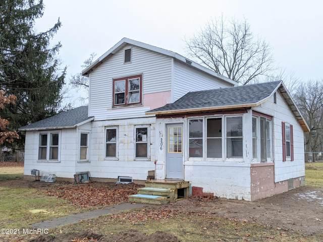 206 S Liberty Street, Paw Paw, MI 49079 (MLS #21001341) :: Deb Stevenson Group - Greenridge Realty
