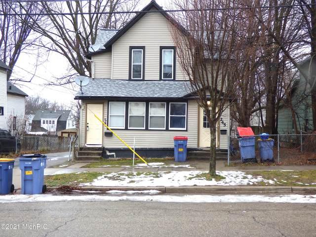 241 Carrier Street NE, Grand Rapids, MI 49505 (MLS #21001449) :: CENTURY 21 C. Howard