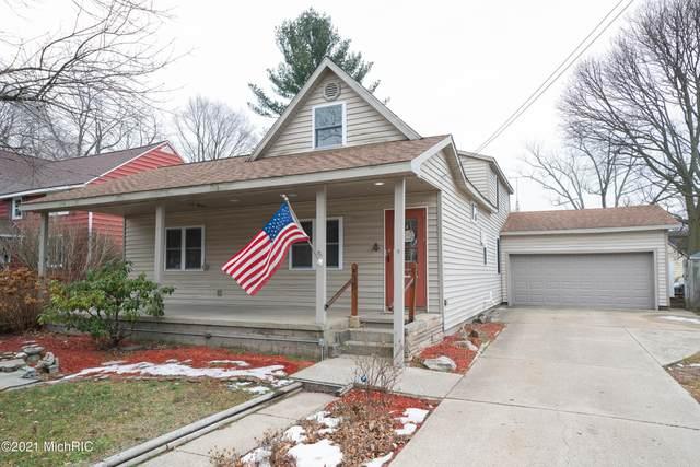 914 Superior Street, South Haven, MI 49090 (MLS #21001533) :: Deb Stevenson Group - Greenridge Realty