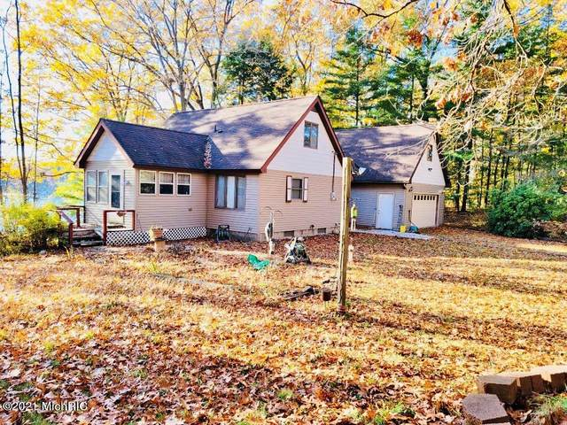 1963 W Crystal View Dr., Scottville, MI 49454 (MLS #21001583) :: Deb Stevenson Group - Greenridge Realty