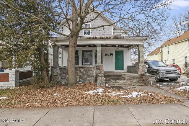 953 Douglas Street NW, Grand Rapids, MI 49504 (MLS #21001625) :: Deb Stevenson Group - Greenridge Realty