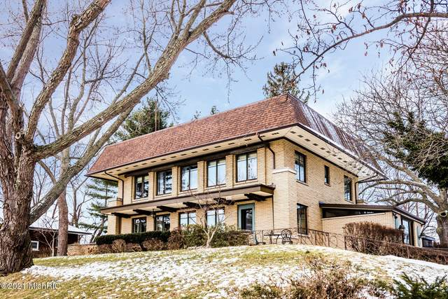 1802 Niles Avenue, St. Joseph, MI 49085 (MLS #21001792) :: Jennifer Lane-Alwan
