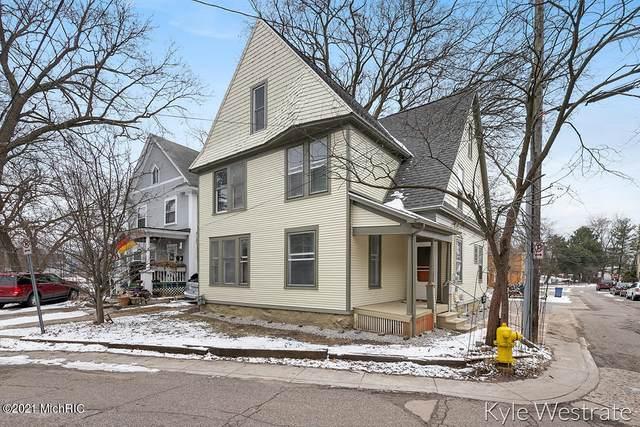 220 Oakley Place NE, Grand Rapids, MI 49503 (MLS #21001852) :: JH Realty Partners